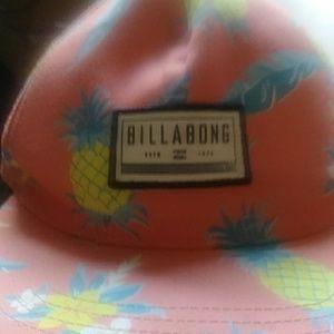 Billabong Accessories - This is a brand new billabong throw back hat